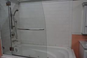 Swinging Tub Enclosure .2